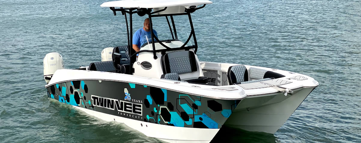 Twin Vee Introduces the Center Console 25th Anniversary Edition Boat!